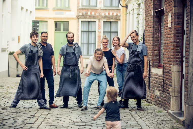Het team van restaurant Roots in Gent. Beeld Piet De Kersgieter