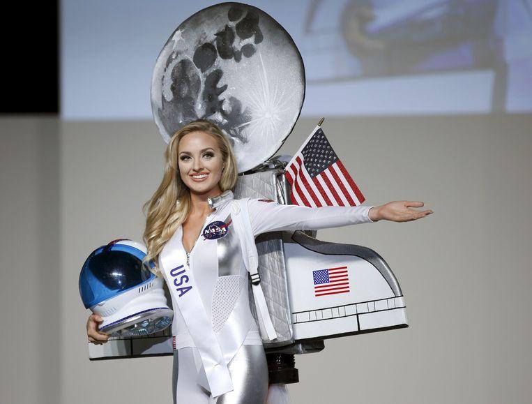Miss USA Lindsay Becker tijdens de 55ste Miss International Beauty-verkiezing in Tokio, Japan Beeld Reuters