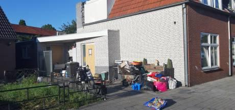 Huis in Almelo na brand afgesloten wegens illegale bewoning