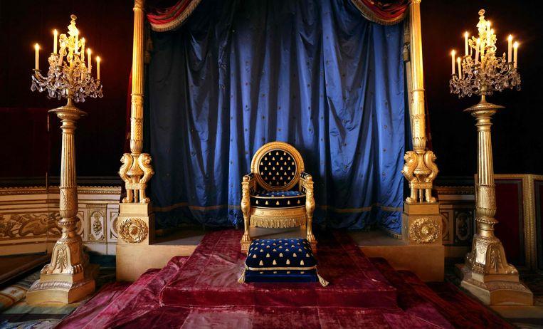 De troon van Napoleon in Chateau de Fontainebleau. Beeld AFP
