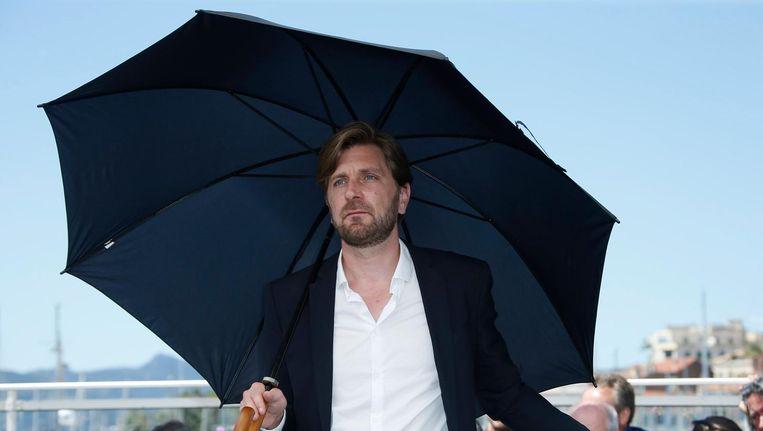 Ruben Östlund wint de eerste Gouden Palm voor Zweden. Beeld anp