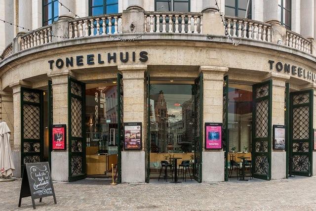 De Bourla-schouwburg in Antwerpen.