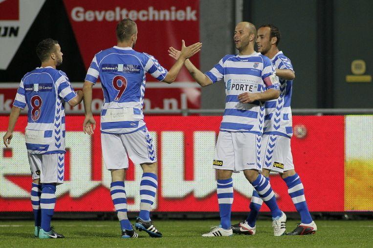 De spelers van FC Zwolle vieren één van de zeven treffers tegen Telstar. Beeld