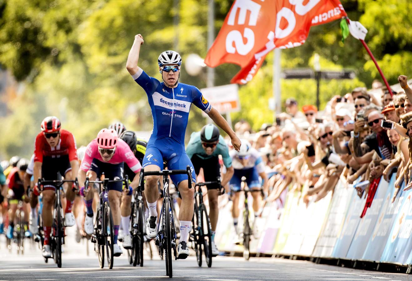 Fabio Jakobsen won vorig jaar de sprint voor het rood-wit-blauw.