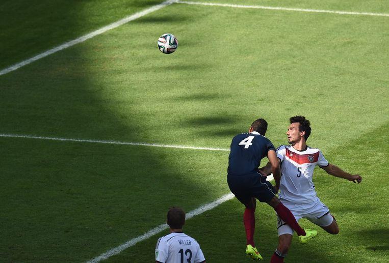 Nummer drie in de lijst Varane liet Hummels te makkelijk inkoppen in de kwartfinale Duitsland-Frankrijk Beeld EPA