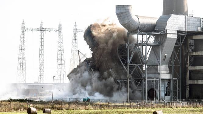 Explosie bij energiecentrale teleurstellend of indrukwekkend? Bekijk de beelden en oordeel zelf