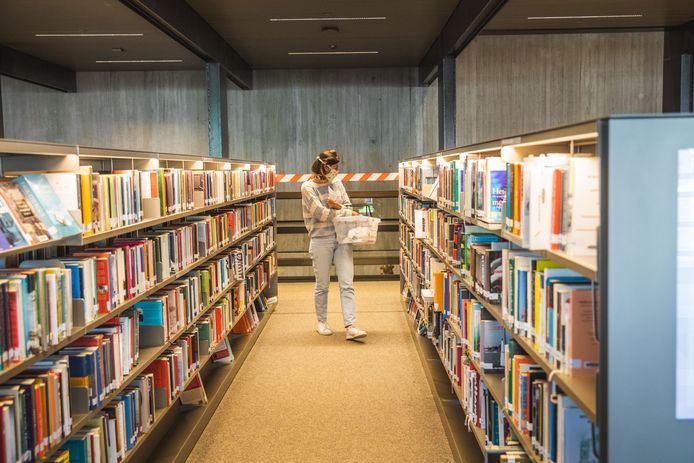Bibliotheek de Krook gaat weer open.