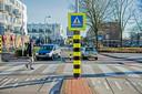 Bij het gemeentehuis van Capelle aan den IJssel en winkelcentrum De Koperwiek kan niemand de oversteekplaats ontgaan