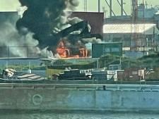 'Stacker' brandt uit in Antwerpse haven