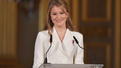 """""""Elisabeth kan hier de populairste royal worden"""": waarom de Britten zo dol zijn op onze kroonprinses"""