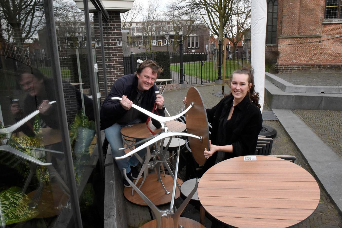 Pike Uittenbogaard van Cafe de Pompier en Vivian den Hollander van Restaurant Viviano, beide bestuurslid van KHN gemeente Woerden, Oudewater en Montfoort.