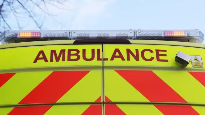 Jongen (12) lichtgewond na botsing tegen bestelwagen
