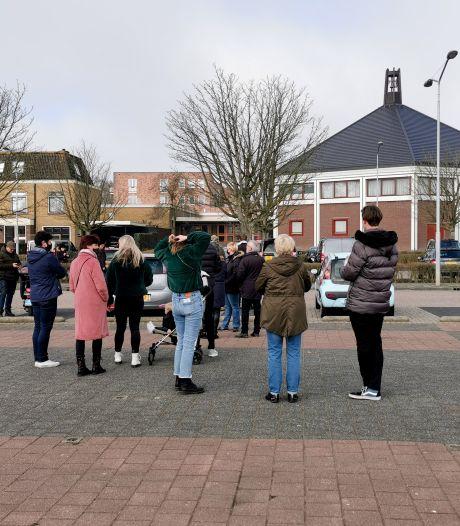 Gemist? Demonstratie tegen 'anti-homo-predikant' in Krimpen en verkiezingsborden verdwijnen massaal
