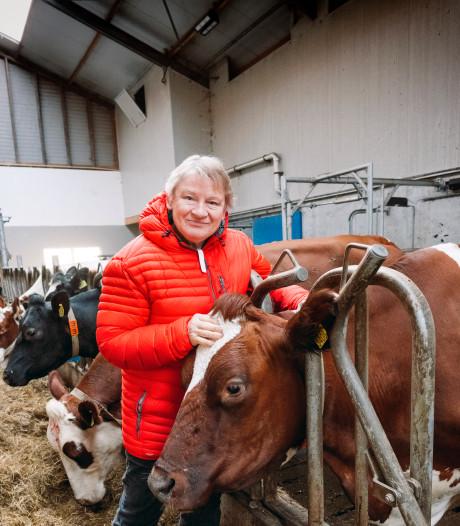 Truus Spruit verkoopt voor het laatst rundvlees op de Streekmarkt