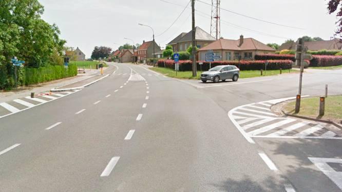 Aanleg rotonde op Oudenaardsesteenweg start maandag: grote impact op verkeer tussen Kruishoutem en Oudenaarde