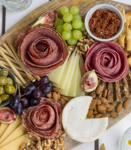 Snel recept: zo maak je salamirozen met... een wijnglas