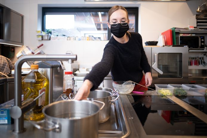 Maren Van Wezemael maakt in Bistro Il Sapore take-away maaltijden