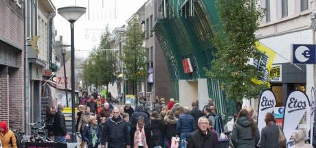 57 bonnen voor fietsen in Hoogstraat Wageningen