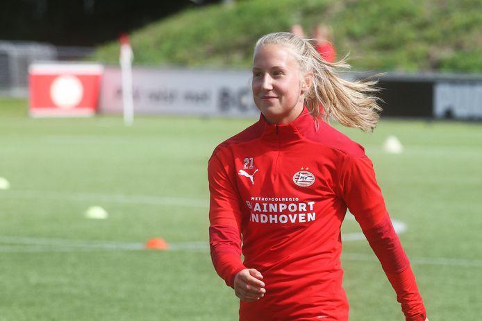 De Veldhovense Dana Foederer op de training van PSV.