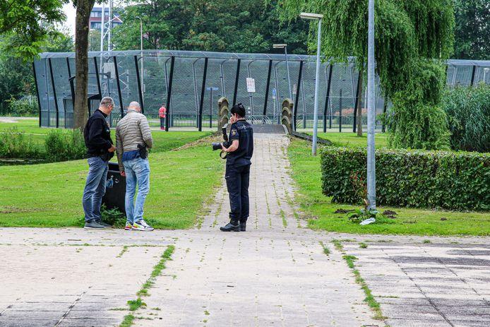 De politie deed zaterdagmiddag onderzoek in het platsoen.