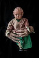 Het popje van Hennie Venhoek, in het kader van fotoproject 'Vertel me alles'.