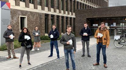 Jong CD&V schrijft postkaartjes voor bewoners WZC Ter Putkapelle