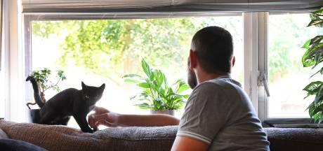 Jos zit in de schulden en wil hulp, huisuitzetting op laatste moment  van de baan