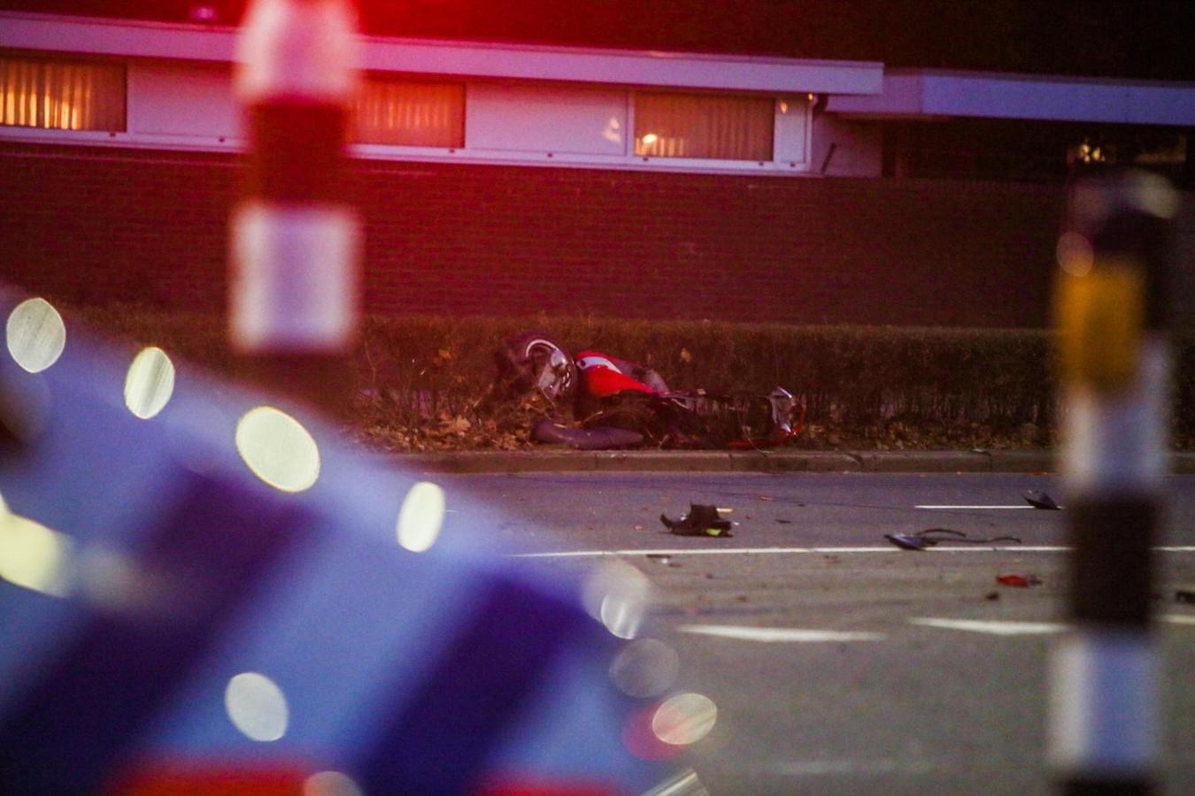Bij een botsing, januari 2020, werd een man op zijn scooter aangereden op de Kasteel-Traverse in Helmond. De andere partij was een agent die op een alarmmelding afging maar zijn sirene niet aan had staan.