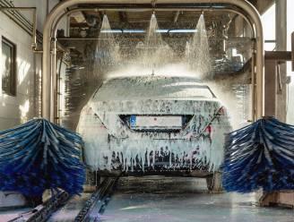 80-jarige zorgt met elektrische auto voor 300.000 euro schade in carwash