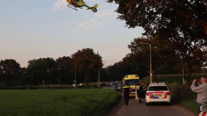 Fietser geschept door auto in Ede, traumahelikopter opgeroepen
