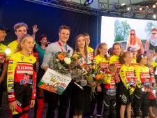 Nijverdal huldigt olympisch kampioenen Hoogland en Braspennincx: 'Een huldiging went nooit'