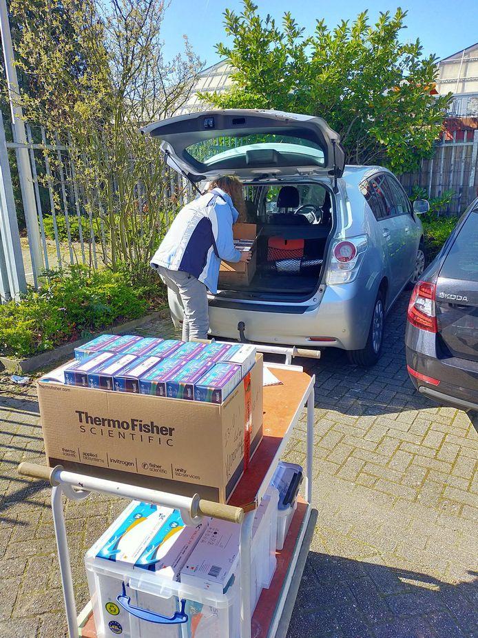 Curio doneert labmateriaal aan het Amphia in Breda.