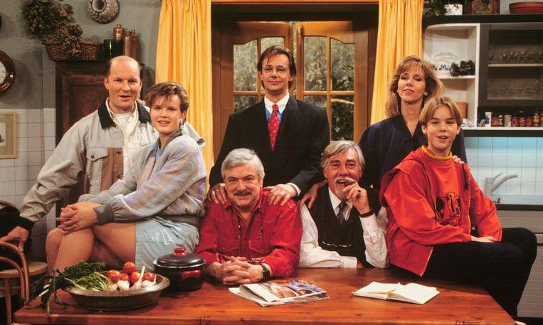 Throwback thursday zo ziet de cast van oppassen er nu uit for Van de tv