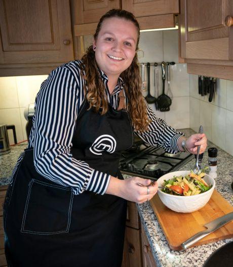 Maxime van Kuijk uit Schijndel heeft miljoenen kijkers met haar kookvideo's op TikTok
