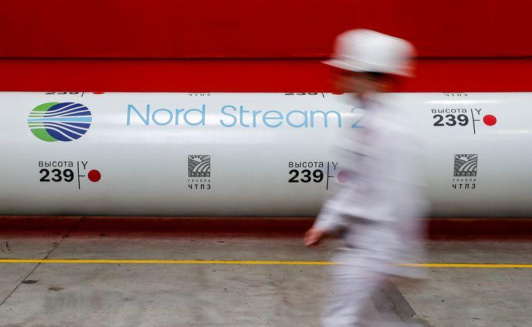 Pijpwalserij in de Russische stad Tsjeljabinsk, waar de Nord Stream 2-pijpleiding wordt gemaakt. Beeld REUTERS