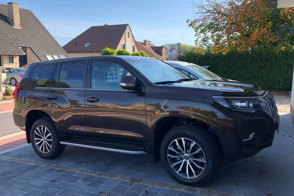 De Toyota Landcruiser van Dakwerker Chris Van Den Bossche en echtgenote Carla Schepens werd in de nacht van maandag op dinsdag gestolen in de Windmolenstraat in Vlekkem.