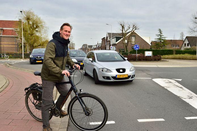 Erik Bruijn van de Fietsersbond Alphen aan den Rijn op de Zijde in Boskoop.
