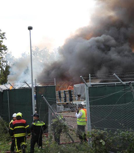 Container in brand op bouwterrein ambassade VS
