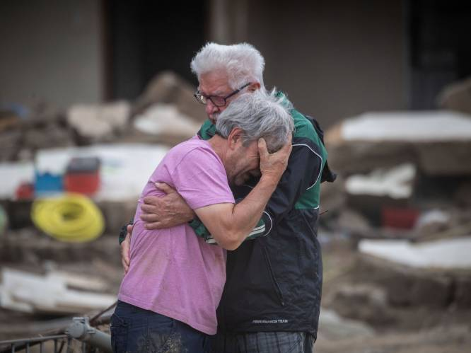 """Ook in Duitsland zware kritiek na de watersnood: grote solidariteit, maar """"organisatie en coördinatie laat te wensen over"""""""