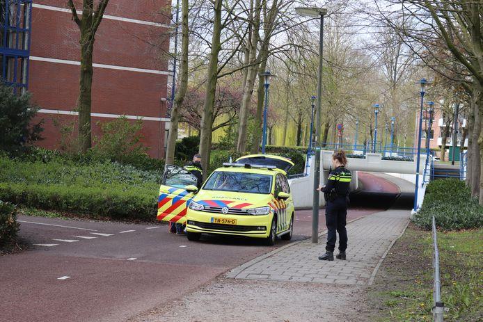 De man moest met een ambulance naar het ziekenhuis worden vervoerd.