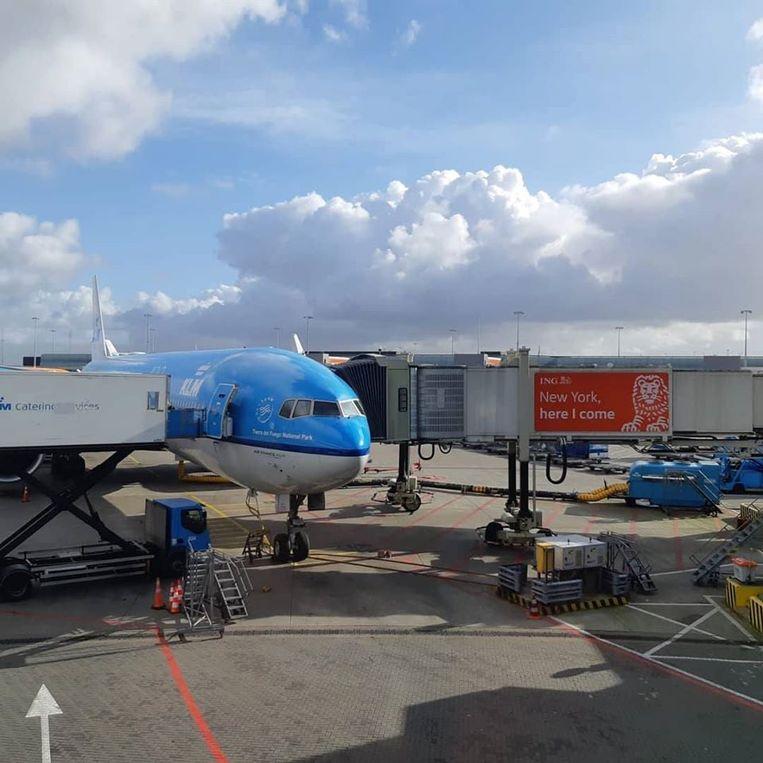 Vliegtuig in Schiphol staat klaar