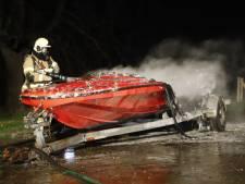 Speedboot uitgebrand in Linden, eigenaar spoorloos