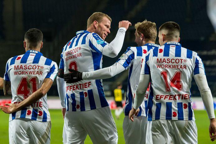 Henk Veerman is de gevierde man bij sc Heerenveen in het thuisduel met Vitesse.