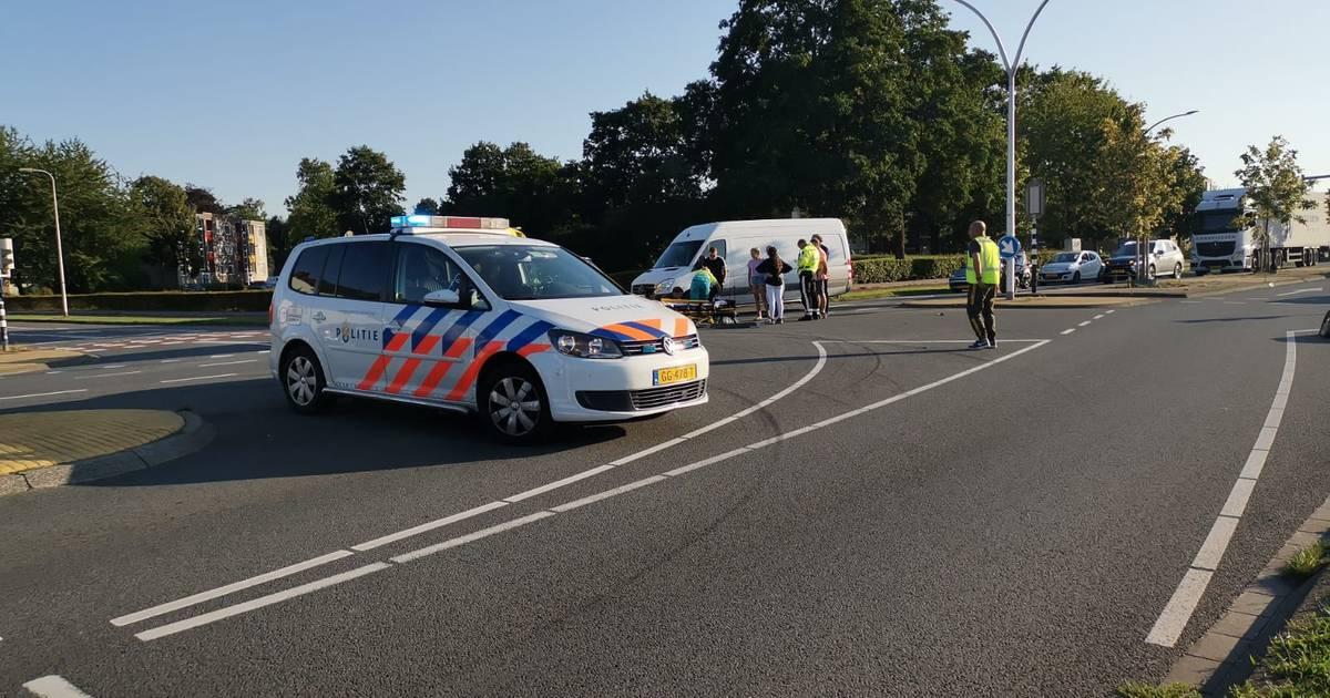Scooterrijder gewond bij ongeluk in Hengelo.