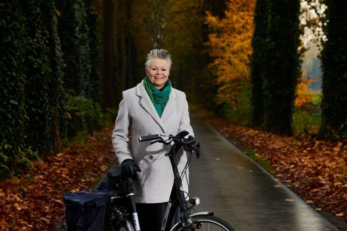 Wethouder Marijke van Haaren wil dat inwoners Berkelland gezonder gaan leven. Ze fietst zelf bijna elke dag van Lochem naar Borculo.
