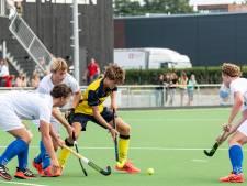 Jong talent Brinno Bevers (16) snuift alle tips van ervaren spelers De Mezen op