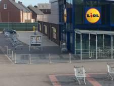 Verlate aprilgrap? Winkelwagentjes Lidl Ommen verspreid over parkeerplaats