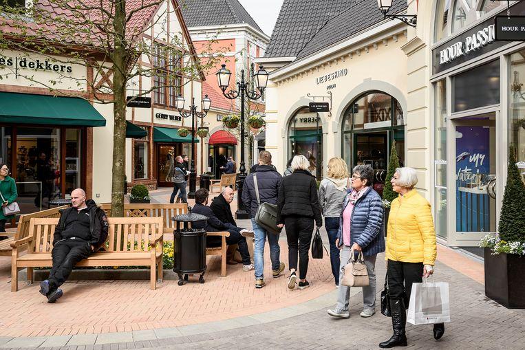 Het Outlet Center in het Nederlandse Roermond. Beeld Hollandse Hoogte / John Peters
