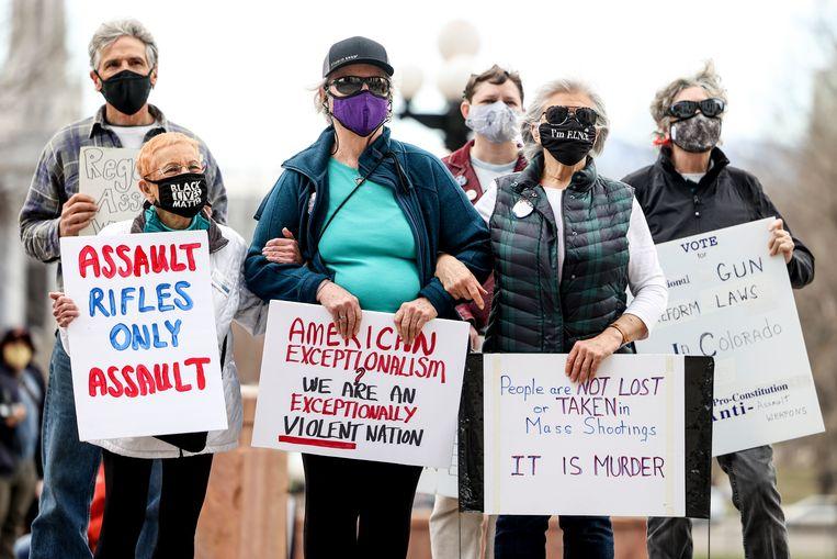 Een protest tegen wapengeweld in Denver, op 28 maart. Beeld Getty Images