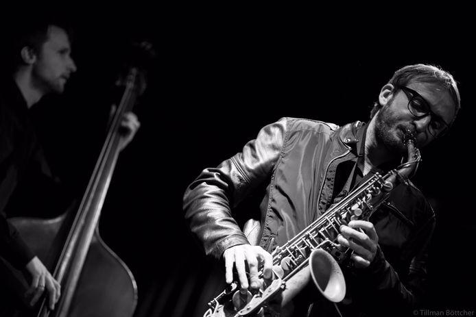 Saxofonist Paul van der Feen formeerde het Zeeland Jazz Ensemble